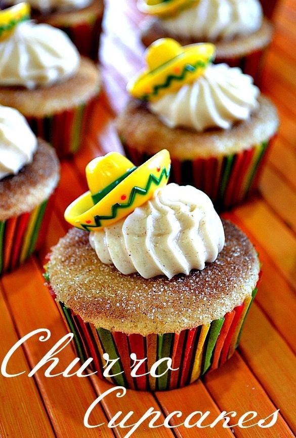 Lady-Behind-The-Curtain-Churro-Cupcakes-2