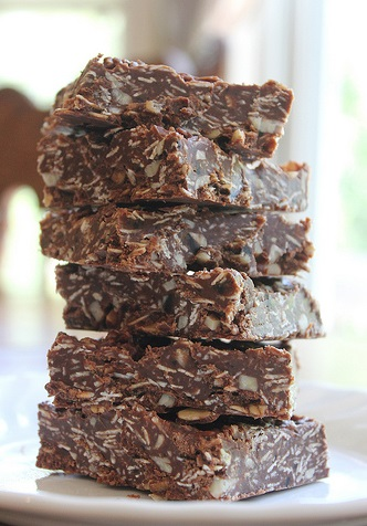 Chocolate Oatmeal No-Bake Bars